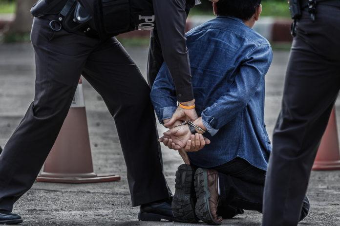 La ciudadanía española complica la actuación policial