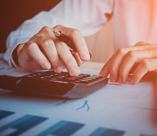 Reduce gastos y aumenta ingresos